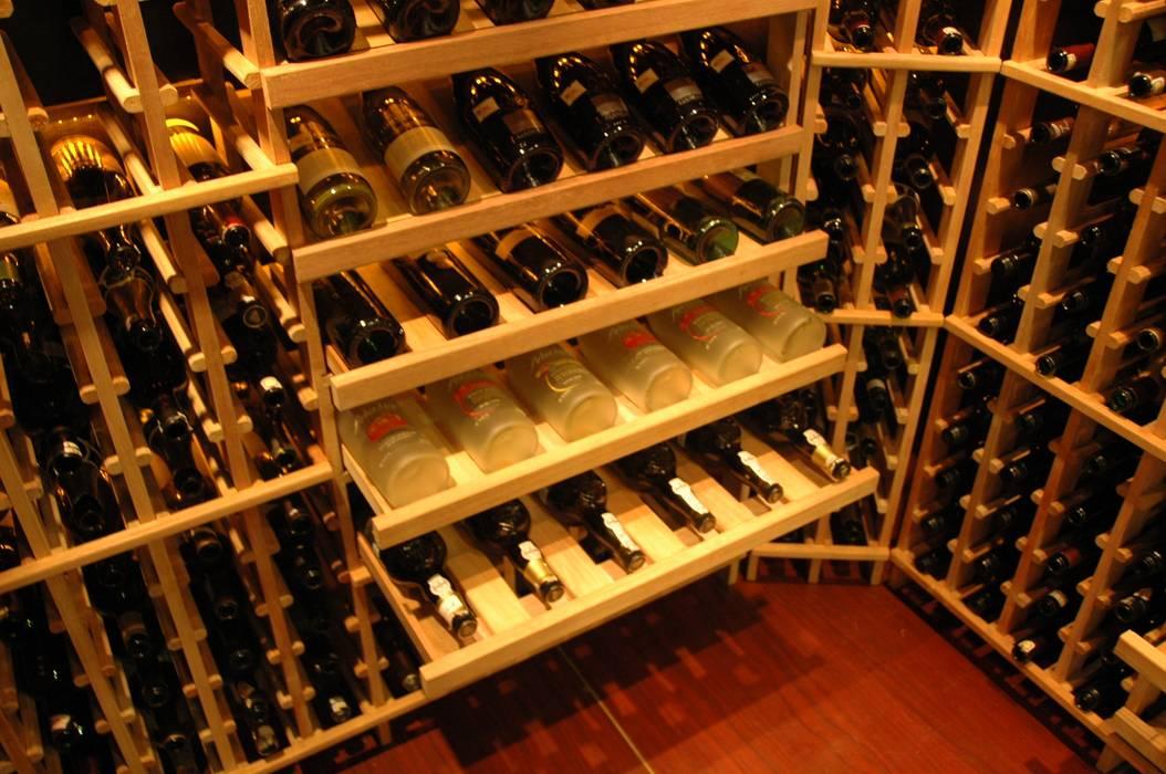 WINE CELLAR: Ruang Penyimpanan Wine oleh AWDS Interior,