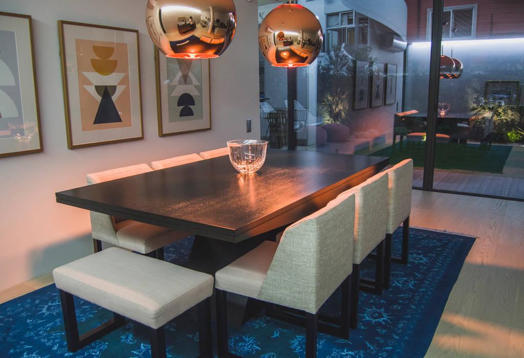 Sala de Jantar: Salas de jantar  por Tangerinas e Pêssegos - Design de Interiores & Decoração no Porto