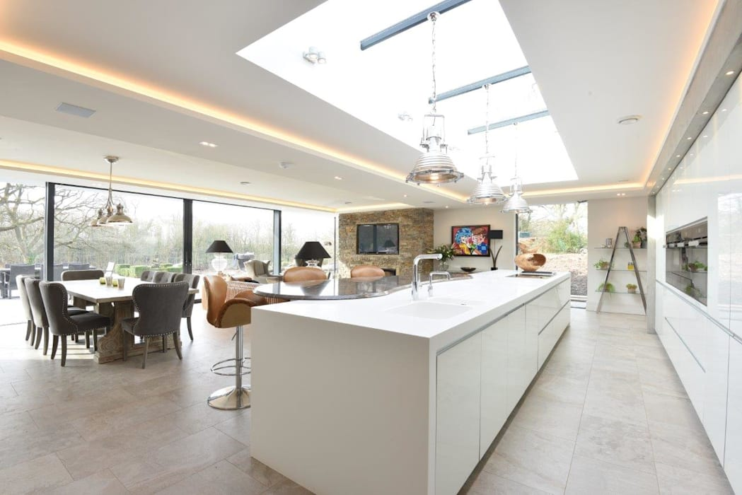 Mr & Mrs Dunne's award winning kitchen:  Built-in kitchens by Diane Berry Kitchens