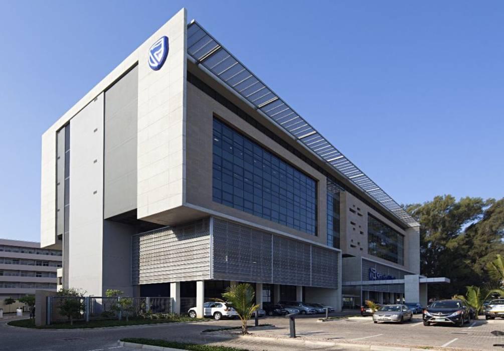 Espaces de bureaux modernes par Elphick Proome Architects Moderne