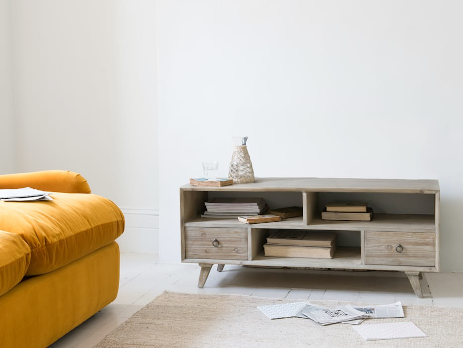 Knockout TV stand: modern Living room by Loaf