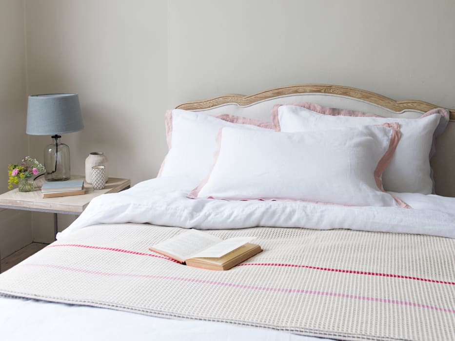 Lazy Daze bed linen: modern Bedroom by Loaf