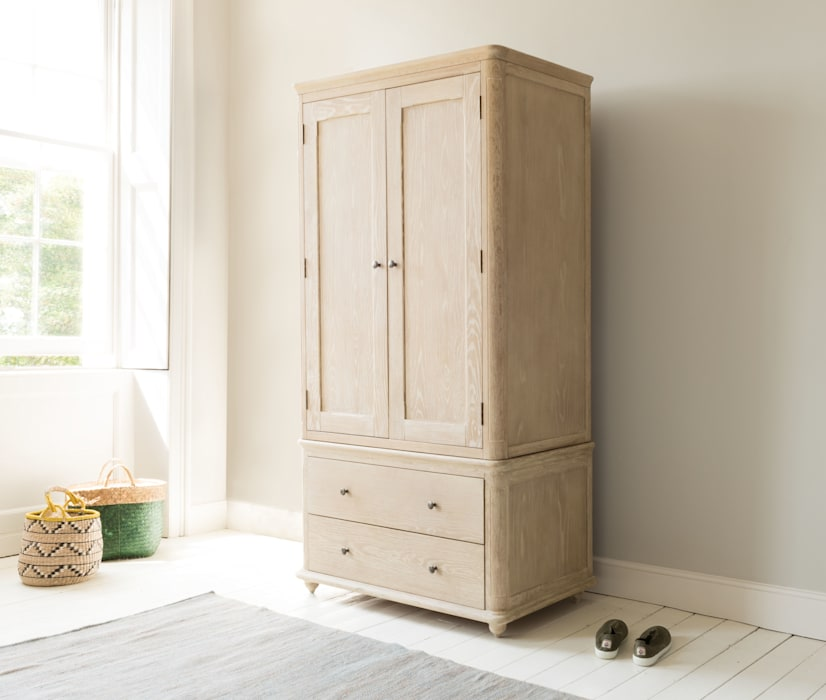 Amory wardrobe: modern Bedroom by Loaf