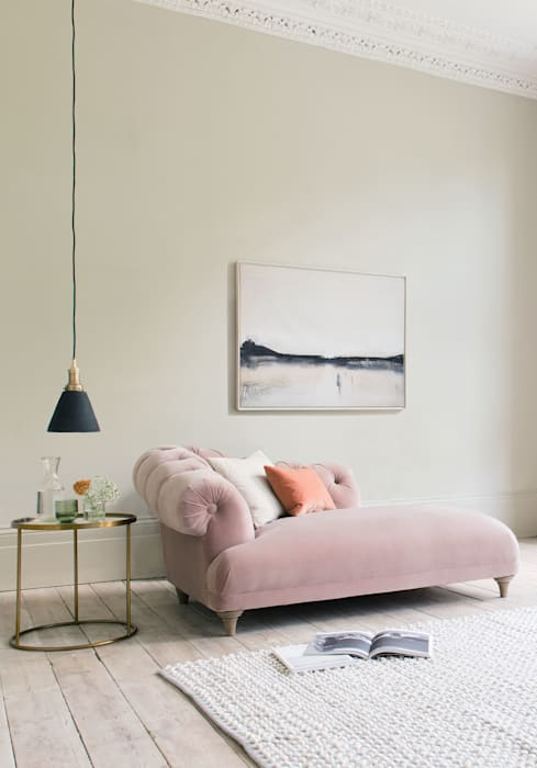 Fats chaise longue:  Living room by Loaf