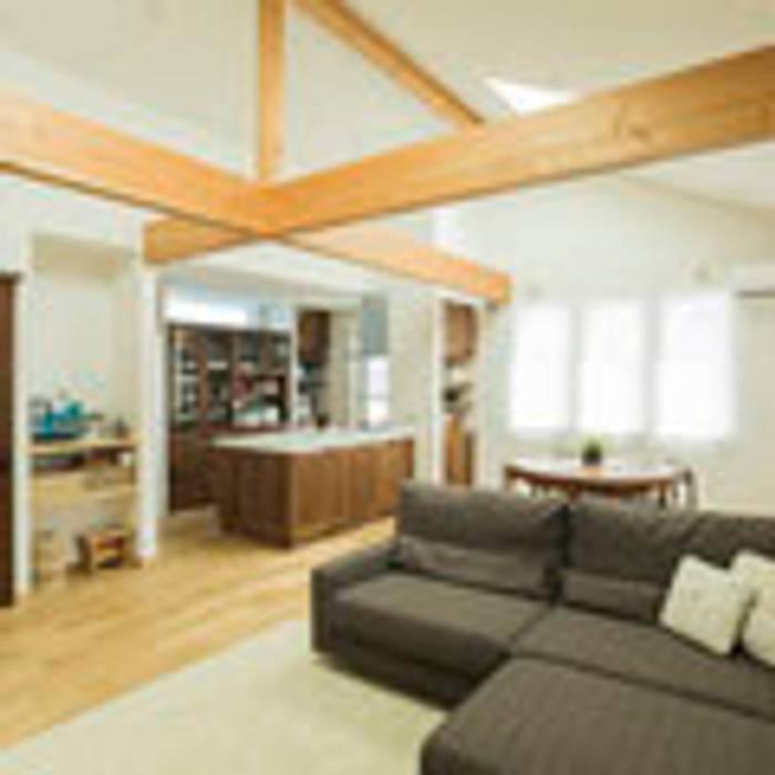 茨木の家 建築工房 感 設計事務所 モダンデザインの リビング