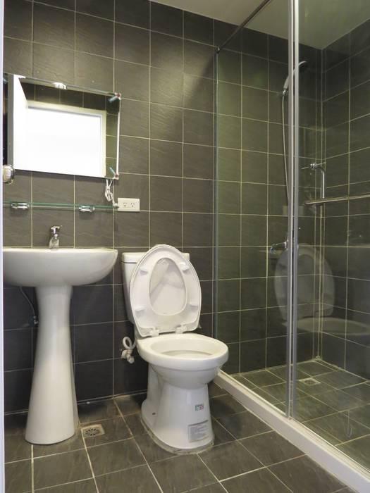 台南劉先生舊屋改套房(6間):  浴室 by 登品空間規劃工程有限公司