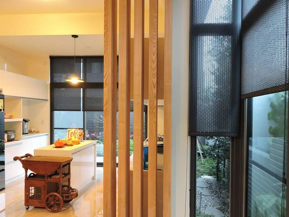太平-品味好宅精緻裝潢:  餐廳 by 登品空間規劃工程有限公司
