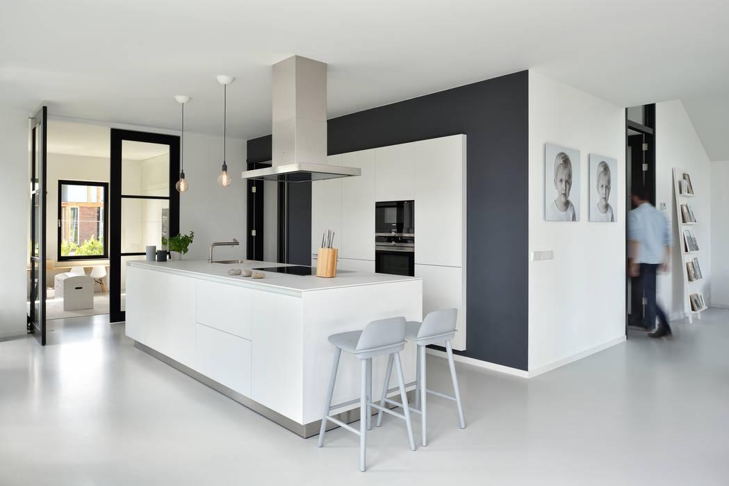 Kitchen by BNLA architecten, Modern
