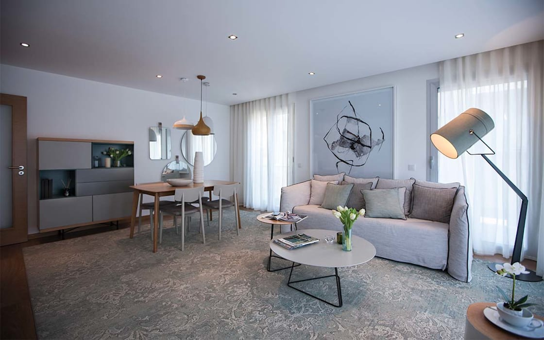 GOYA RESIDENCE: Salas de estar  por Tralhão Design Center