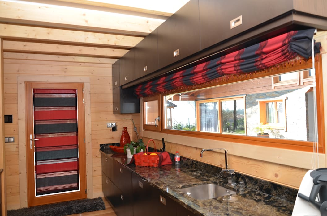 RUSTICASA Built-in kitchens Solid Wood Wood effect