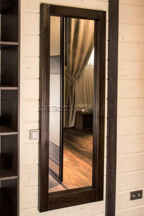 Зеркало в деревяной раме на заказ: Гардеробные в . Автор – Творческая мастерская АRTBOOS