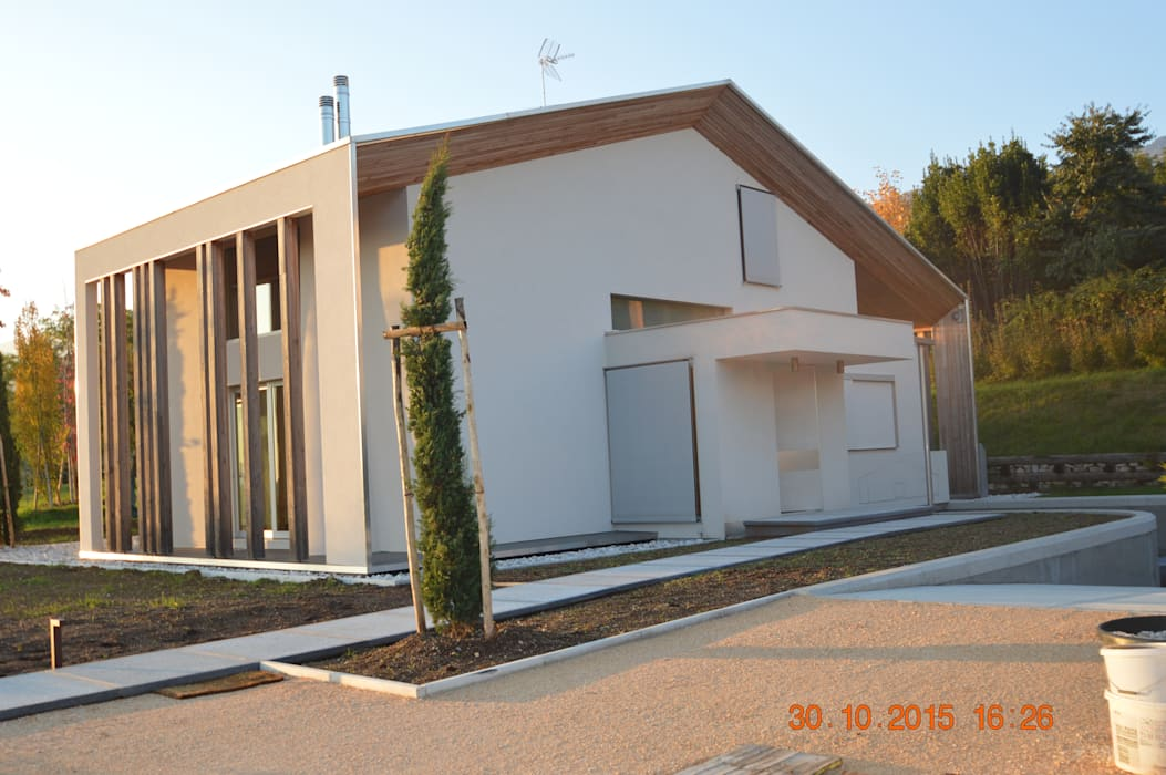 vista d'insieme: Villa in stile  di laboratorio di progettazione - arch. Maurizio Sanna