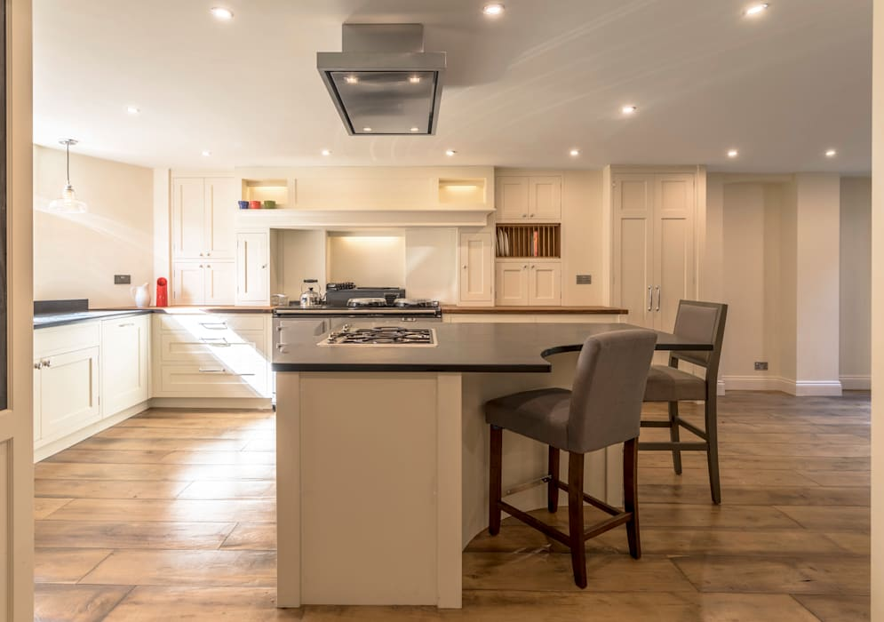 Slate-topped kitchen island:  Built-in kitchens by John Gauld Photography