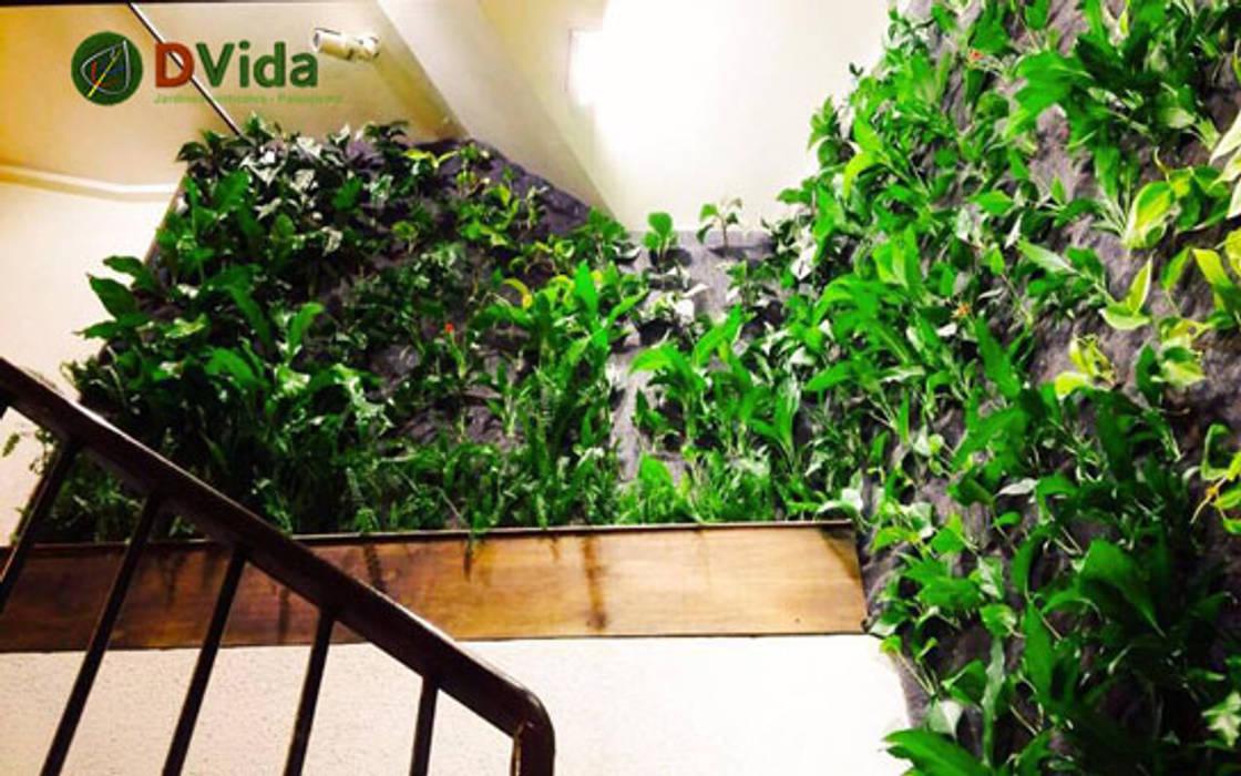 Jardines verticales de DVida Jardines verticales Moderno