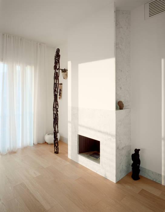 casa a varazze: Soggiorno in stile in stile Moderno di ariu + vallino architetti