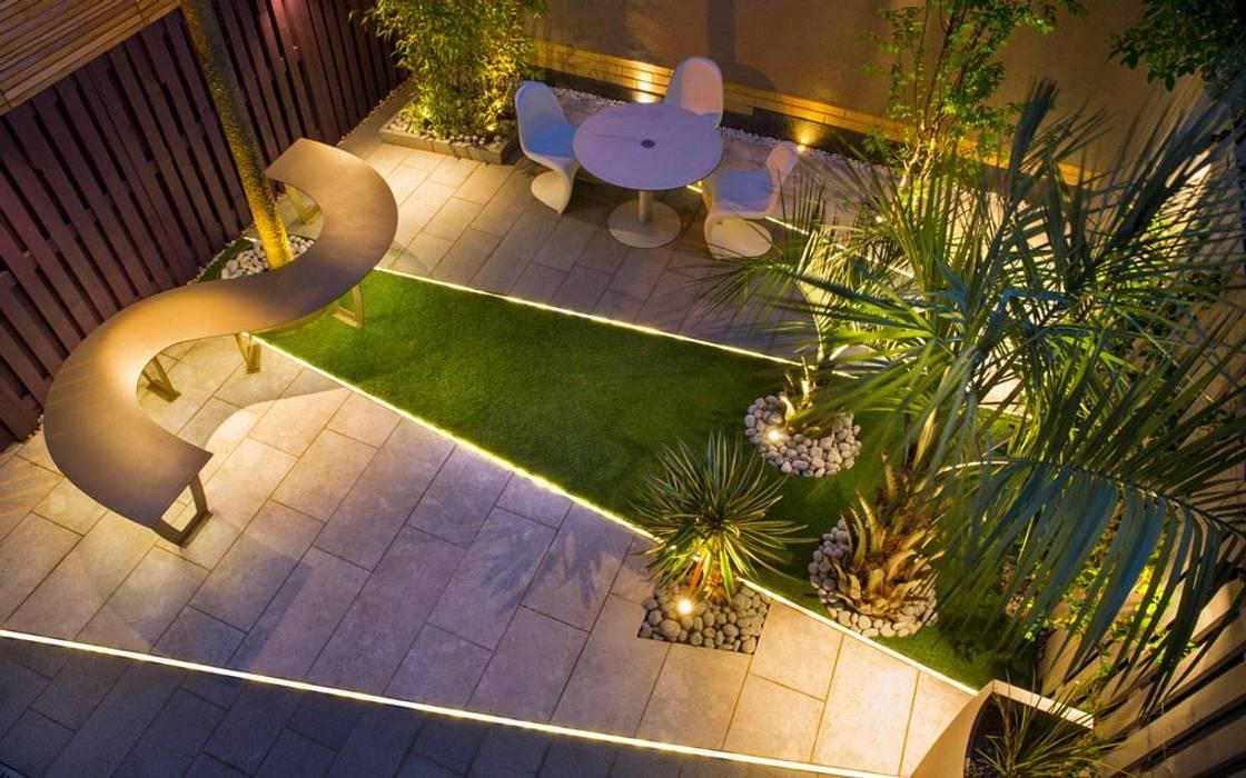 Aerial night view garden:  Garden by MyLandscapes Garden Design,