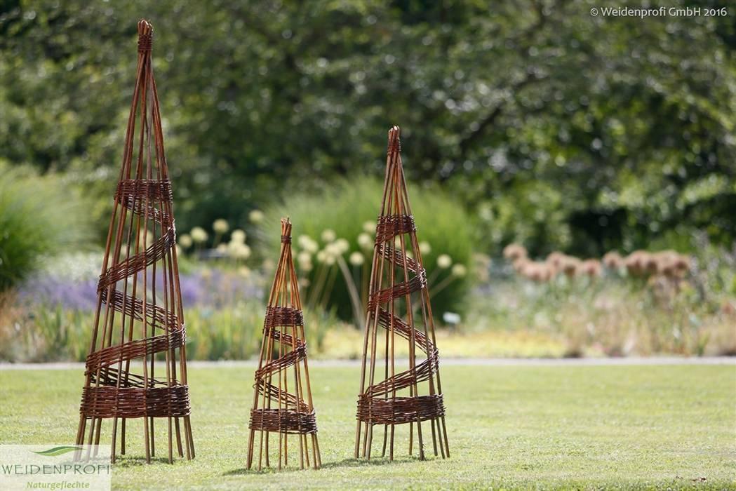Rankpyramiden: moderner Garten von naturgeflechte24