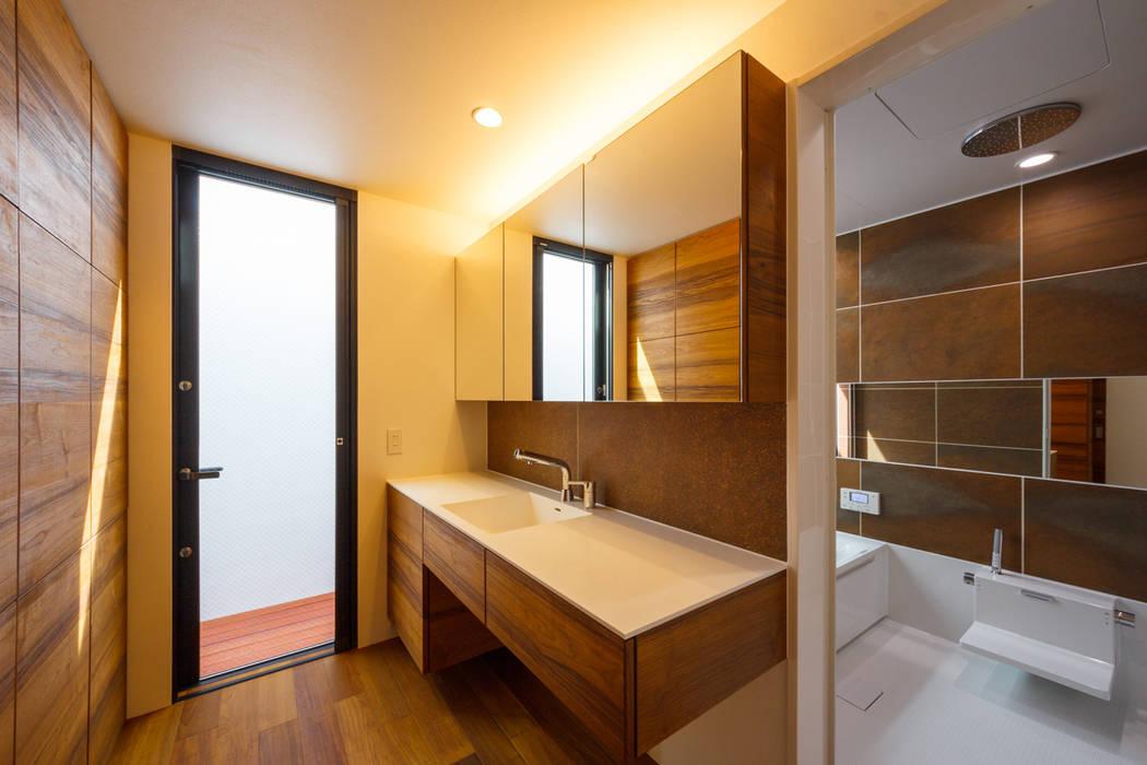haus-flat 洗面室&浴室: 一級建築士事務所hausが手掛けた浴室です。