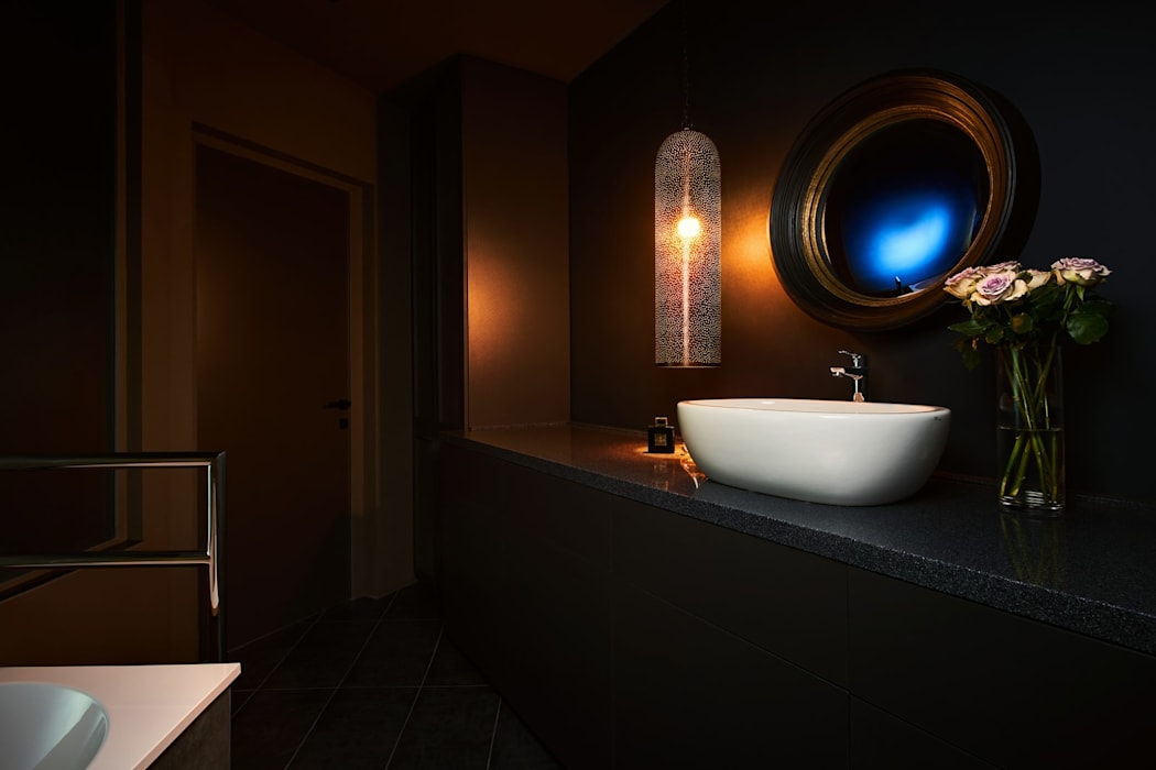 vz1h: Ванные комнаты в . Автор – IGOR SIROTOV ARCHITECTS, Минимализм