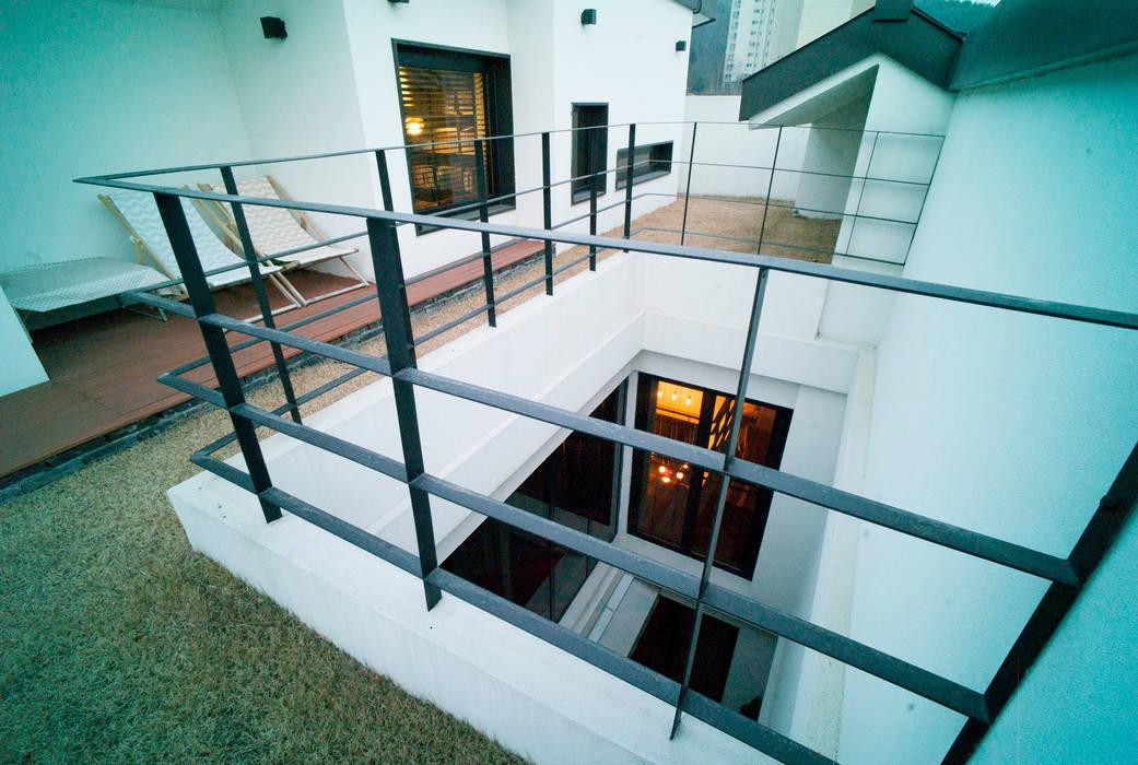 Layer House: Prime Architecture의  실내 정원