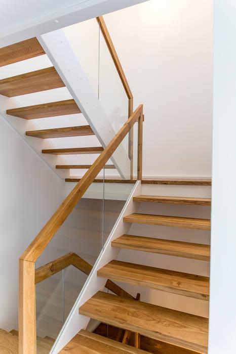 Modernes Treppenhaus Mit Glasgelander Flur Diele Von Fh