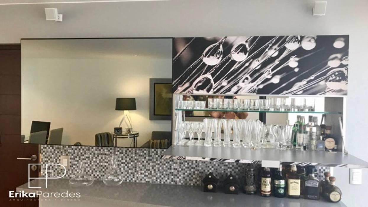 Detalle de Bar: Salas / recibidores de estilo  por EPG  Studio