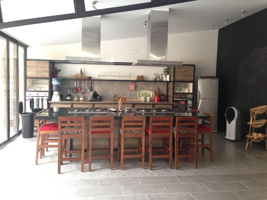 """Habilitación restaurante """"Uncorked"""": Restaurantes de estilo  por Qarquitectura,"""