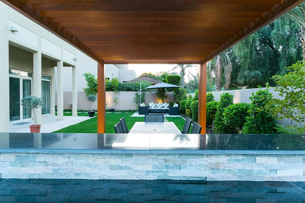 Saheel Villa:  Garden Shed by Hortus Landscaping Works LLC