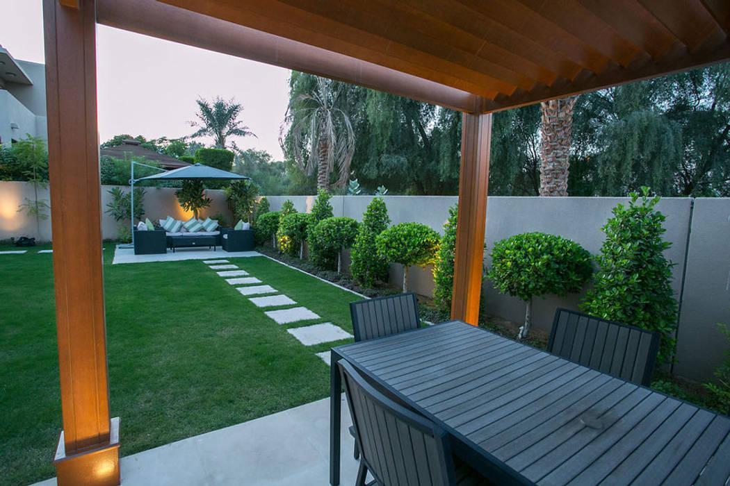 Saheel Villa:  Garden Shed by Hortus Landscaping Works LLC,