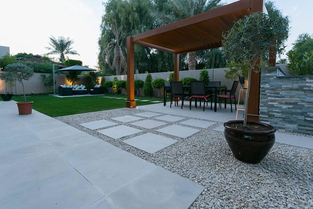 Saheel Villa:  Garden Shed by Hortus Landscaping Works LLC