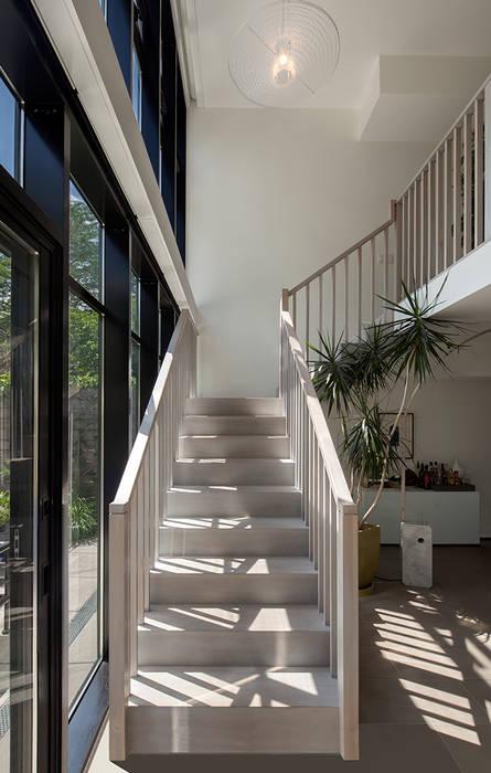 andretchelistcheffarchitects Koridor & Tangga Modern