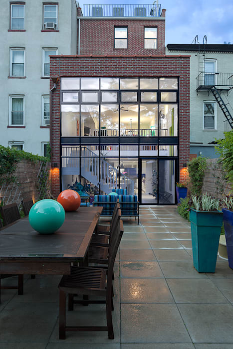 Carroll Gardens Townhouse Modern Houses by andretchelistcheffarchitects Modern