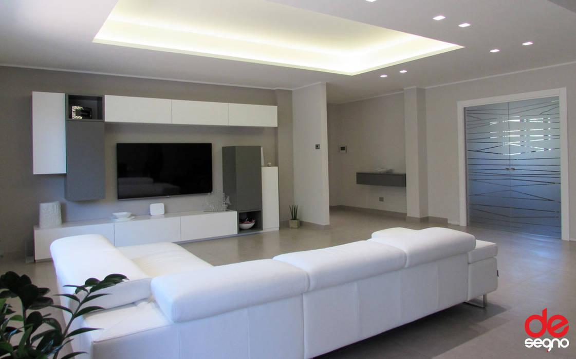 Emanuela Gallerani Architetto Moderne Wohnzimmer Holz Grau