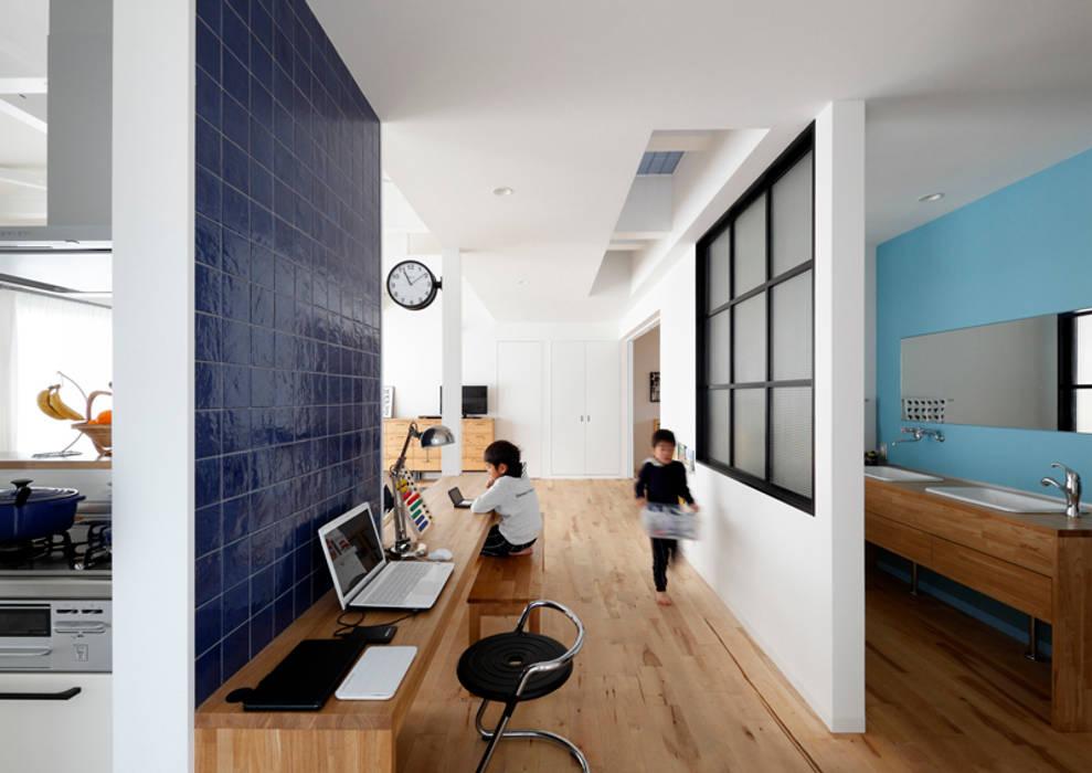 Living room by atelier m, Scandinavian Tiles