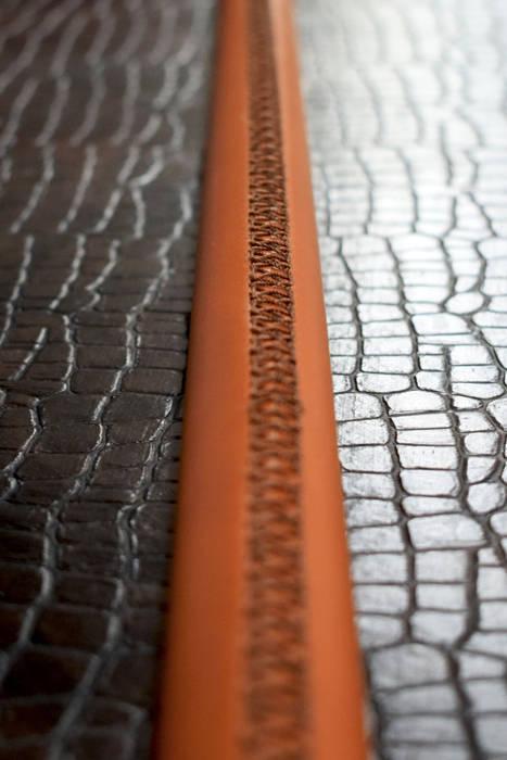 Dettaglio cuciture corrimano: Ingresso & Corridoio in stile  di PENTAFORM S.r.l.
