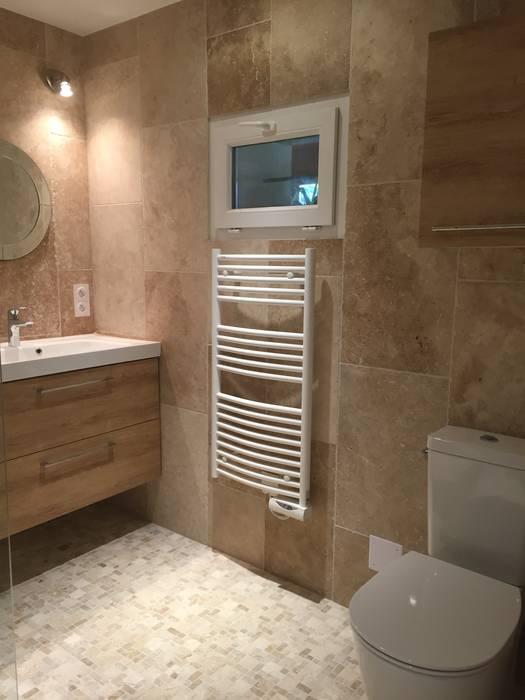 Décoration d'une salle de bains: Salle de bains de style  par Conseil Déco & Création