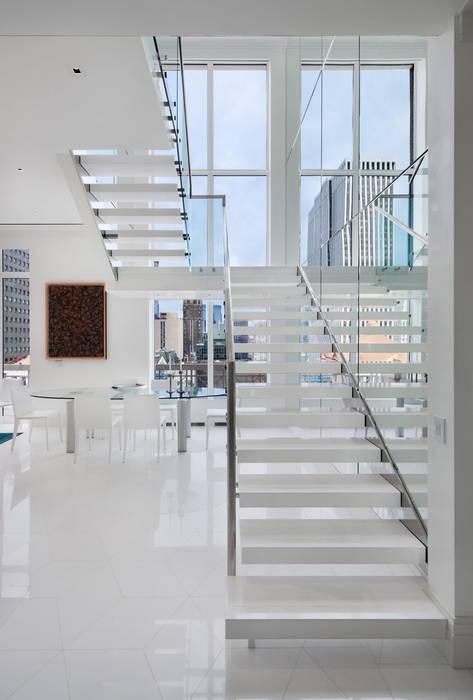 Park Avenue Duplex andretchelistcheffarchitects Modern corridor, hallway & stairs