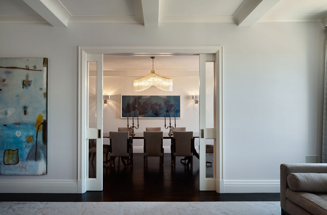 Fifth Avenue Apartment:  Dining room by andretchelistcheffarchitects, Modern