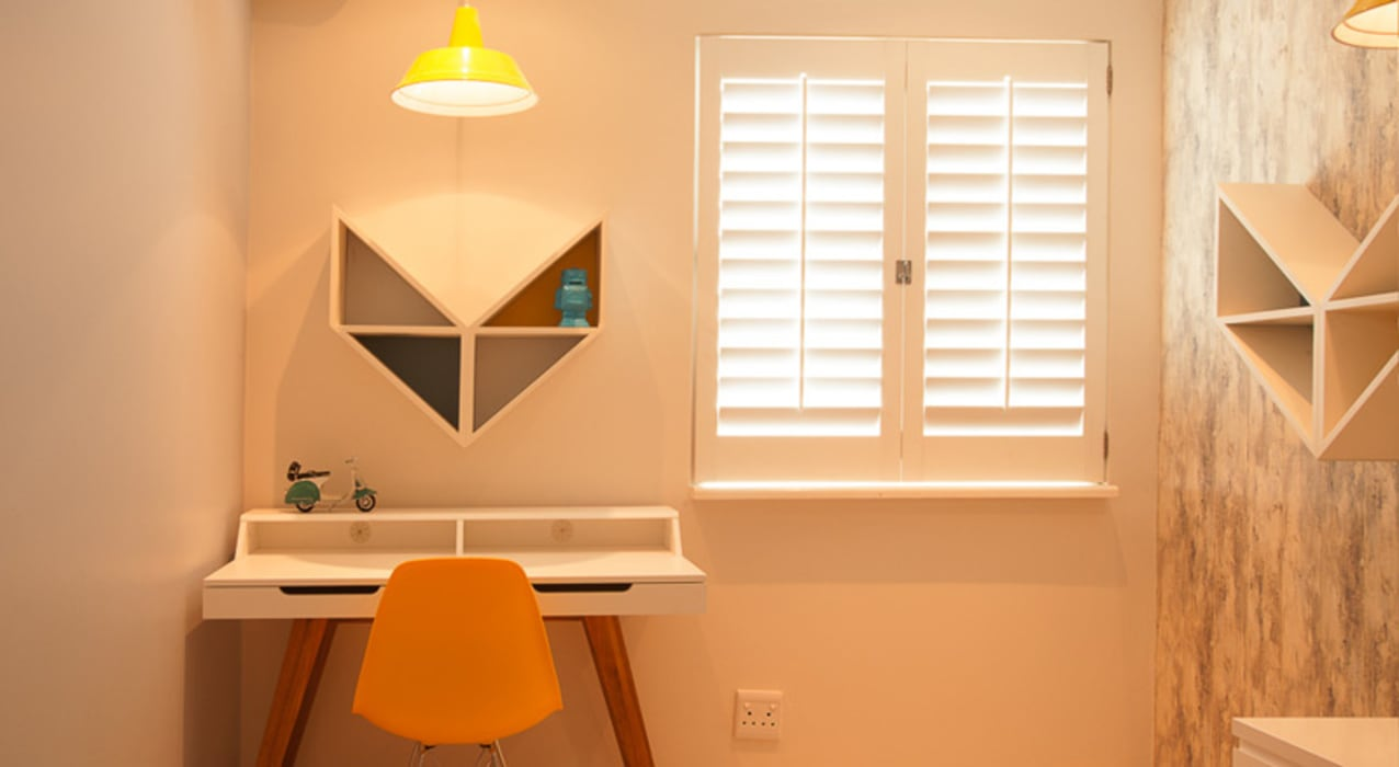 House Varyani:  Nursery/kid's room by Redesign Interiors
