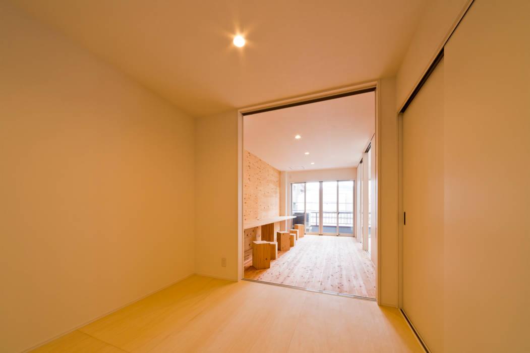 """リノベ """"Zetton"""": キリコ設計事務所が手掛けた寝室です。,インダストリアル"""