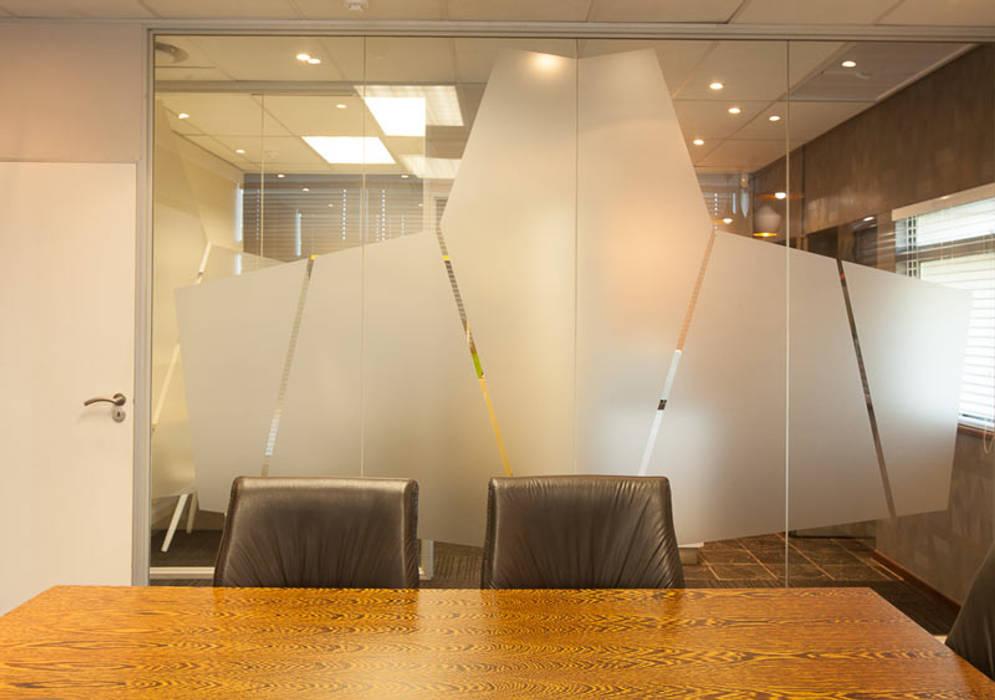 bởi Redesign Interiors Hiện đại