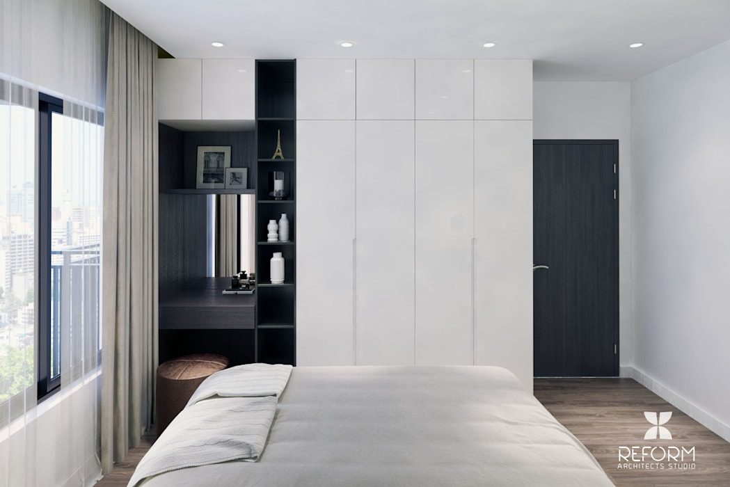 Dormitorios modernos: Ideas, imágenes y decoración de Reform Architects Moderno