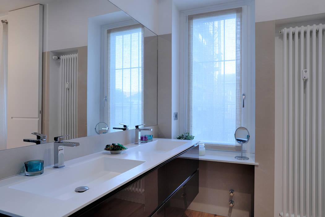 perfect fit: Bagno in stile in stile Minimalista di studio ferlazzo natoli