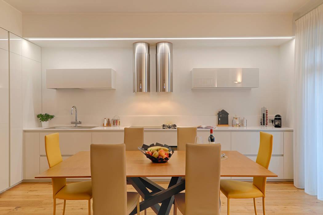 perfect fit: Cucina in stile in stile Minimalista di studio ferlazzo natoli
