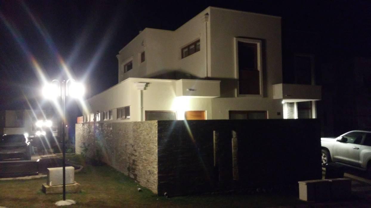 Casa Mediterranea Ampliada: Casas unifamiliares de estilo  por MAS, Montoya Arquitectura Sustentable