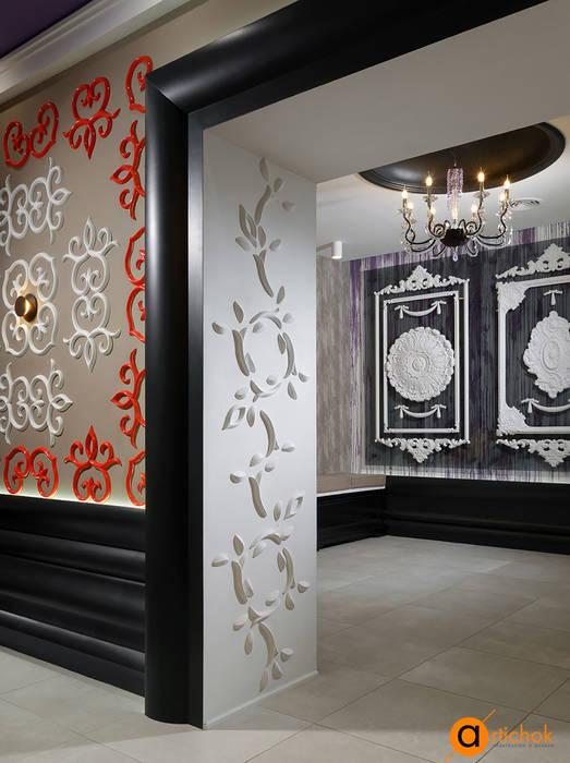 Креативный дизайн интерьера шоурума с лепниной: Коммерческие помещения в . Автор – Art-i-Chok