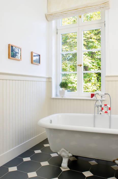 Beadboard.de – stilvolle wände: badezimmer von www.beadboard.de | homify
