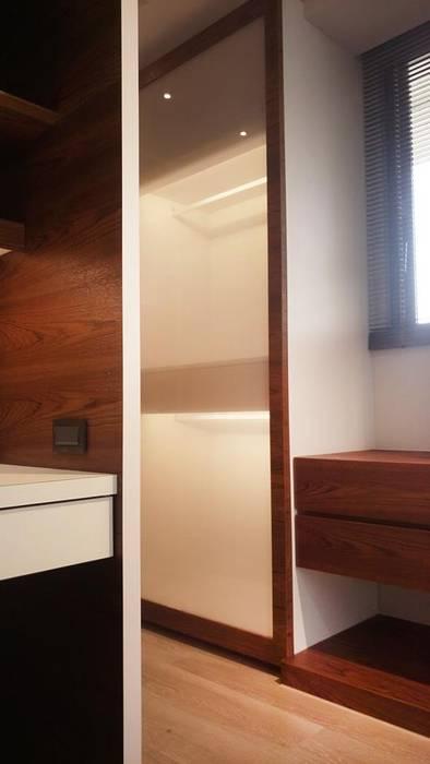 更衣室:  更衣室 by 見和空間設計