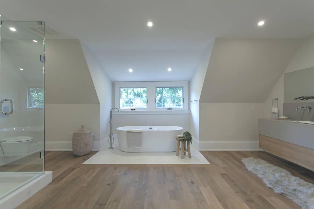 Glen Rd:  Bathroom by Contempo Studio