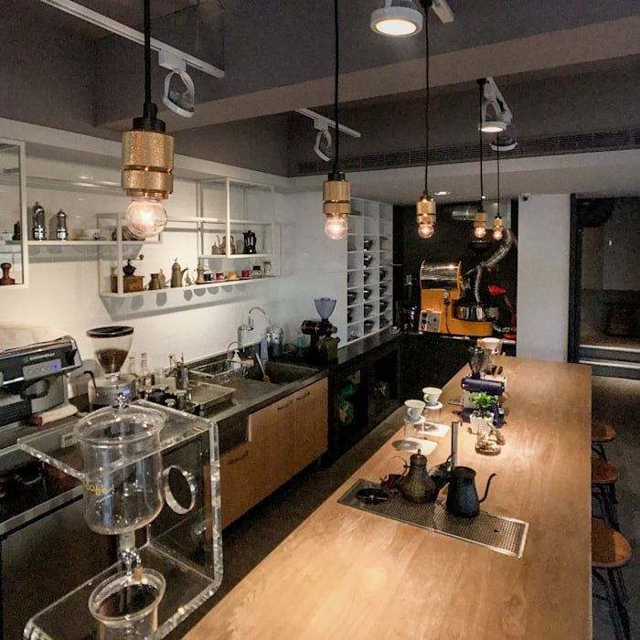 吧台空景:  辦公室&店面 by 見和空間設計